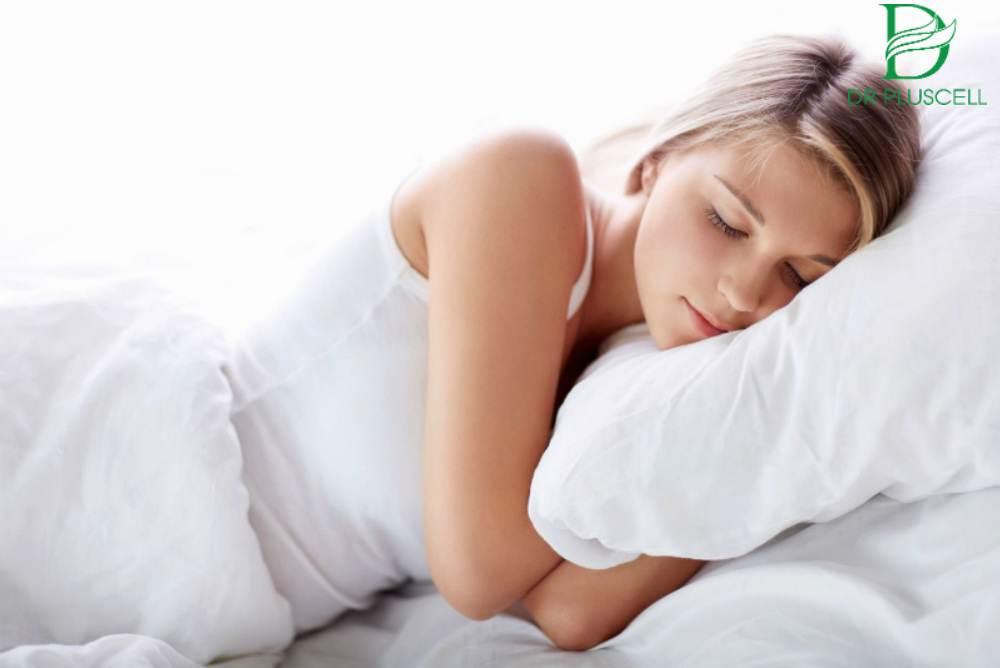 Không nên thức khuya