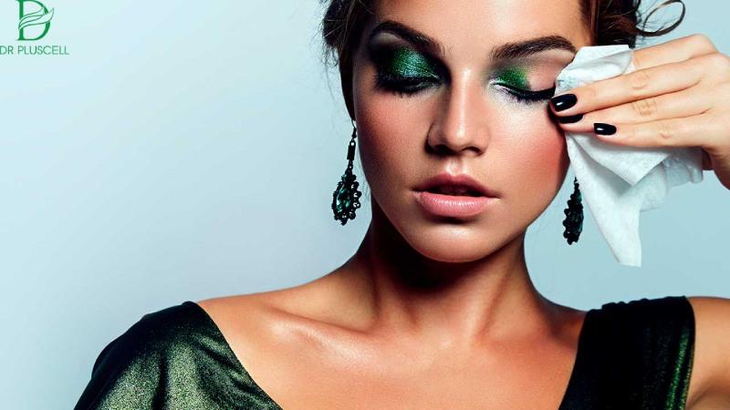 Tẩy trang làm sạch da khỏi các bụi bẩn, mỹ phẩm trang điểm