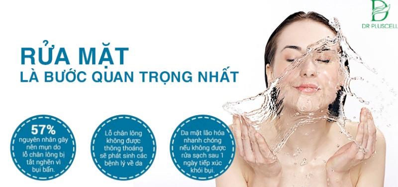 Rửa mặt sạch giúp da hấp thụ dễ dàng các dưỡng chất dưỡng da sau đó