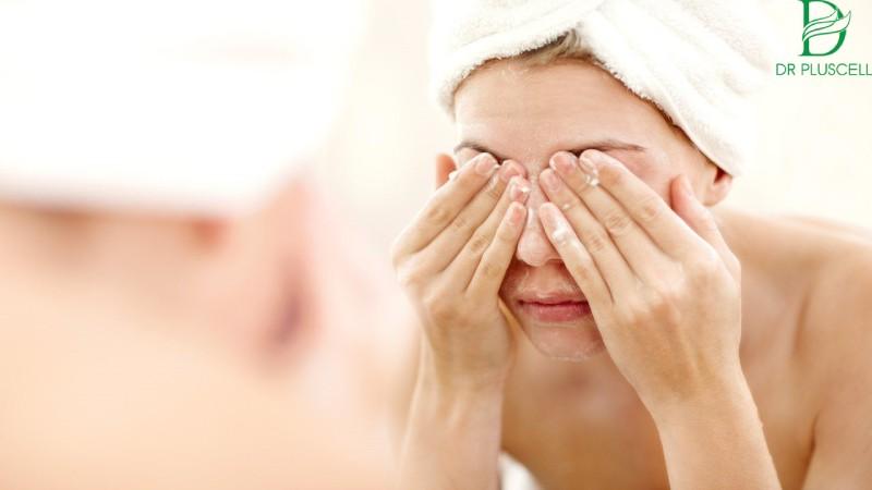 Da dầu luôn cần loại bỏ sạch bã nhờn trên da tối thiểu 2 lần/ngày
