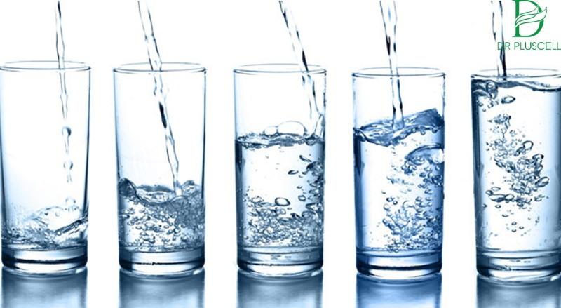 Nước cũng có rất nhiều tác dụng đối với da