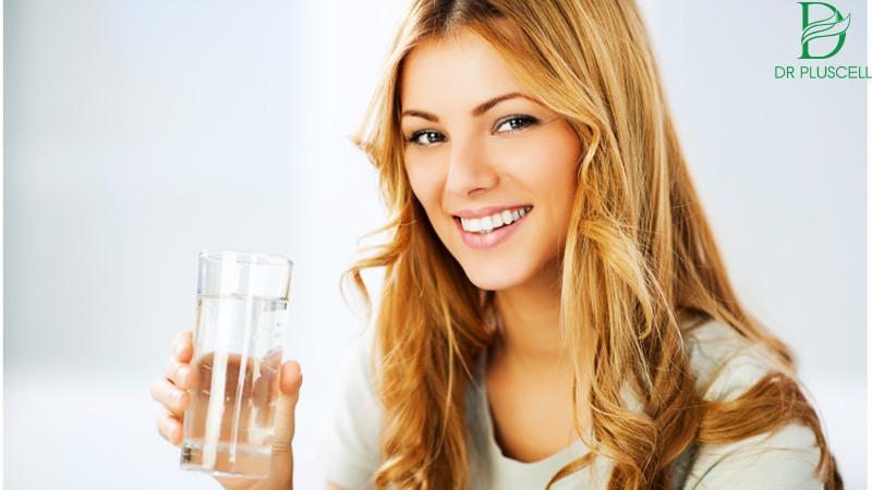 Nước là tác nhân lớn ngăn ngừa nếp nhăn đấy.