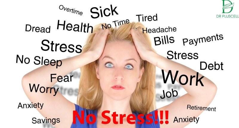 Áp lực, căng thẳng trong học tập khiến da nỏi mụn