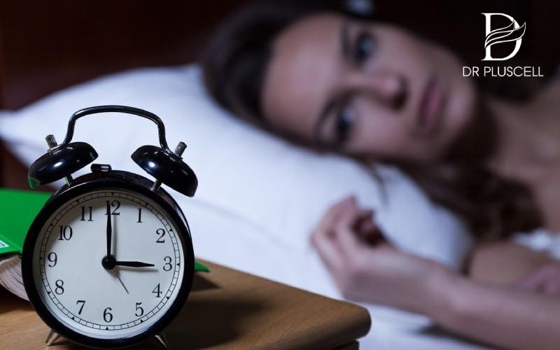 Thức khuya khiến da nhanh bị lão hóa, sạm đen