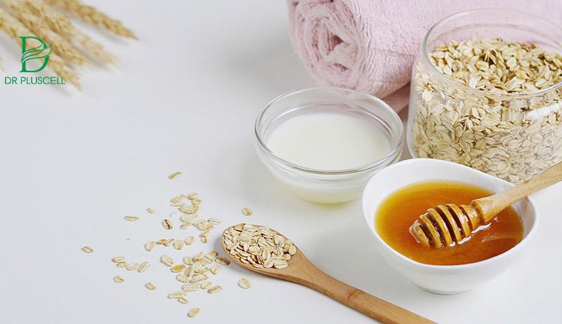 sữa chua và bột yến mạch, mật ong